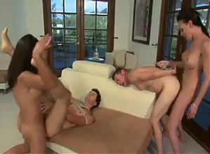 Guys take anal penetration in shemale foursome